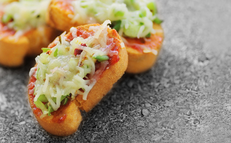 Capsicum on Toast with Spicy, Cheese Goodness