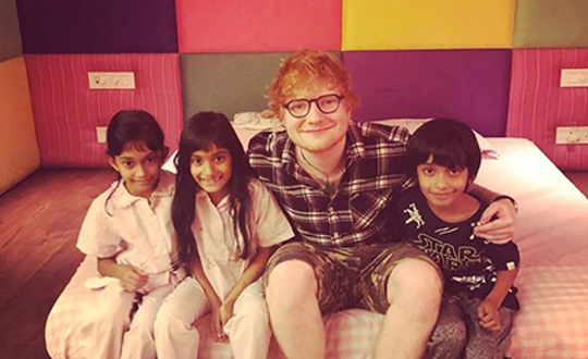 Ed rocks the Mumbai concert
