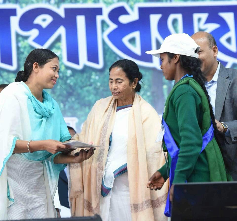 পশিম মেদিনীপুর রাজ্যের অন্যতম জেলা হবে, বার্তা মমতার