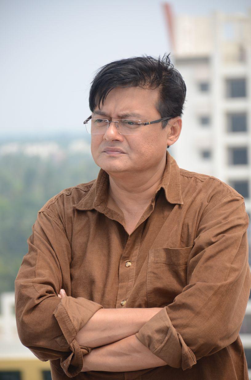 Saptaswa Basu is debuting as a feature film director with NETWORK