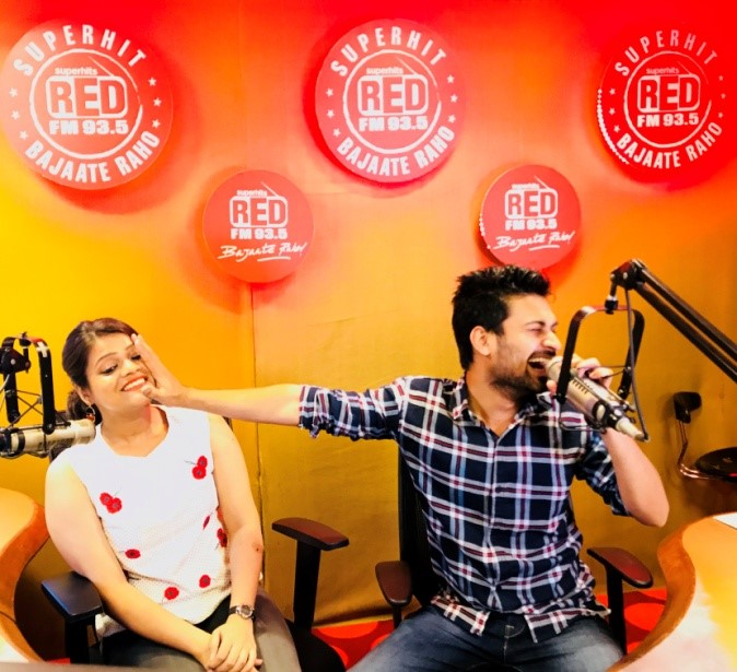 Superhits 93.5 RED FM relaunches U-Turn; introduces new RJs Rashmi and Sharique