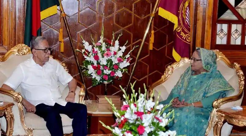 রাষ্ট্রপতির সঙ্গে সৌজন্য সাক্ষাৎ প্রধানমন্ত্রী শেখ হাসিনার