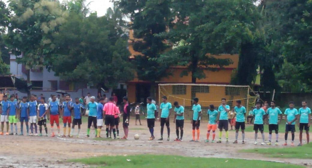মেদিনীপুর মহতাবপুর যুব সংঘের উদ্যোগে ফুটবল প্রতিযোগিতা