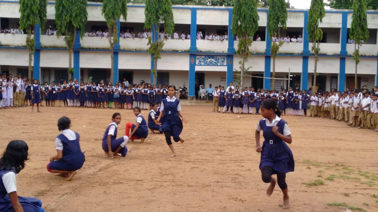 পশ্চিম মেদিনীপুরের খাজরায় ছাত্রীদের আন্তঃশ্রেণী খোখো প্রতিযোগিতা