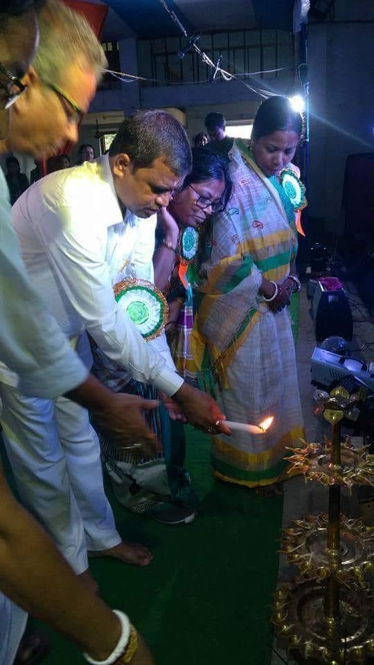 শালবনী নীচু মঞ্জরী হাইস্কুলের বার্ষিক অনুষ্ঠান
