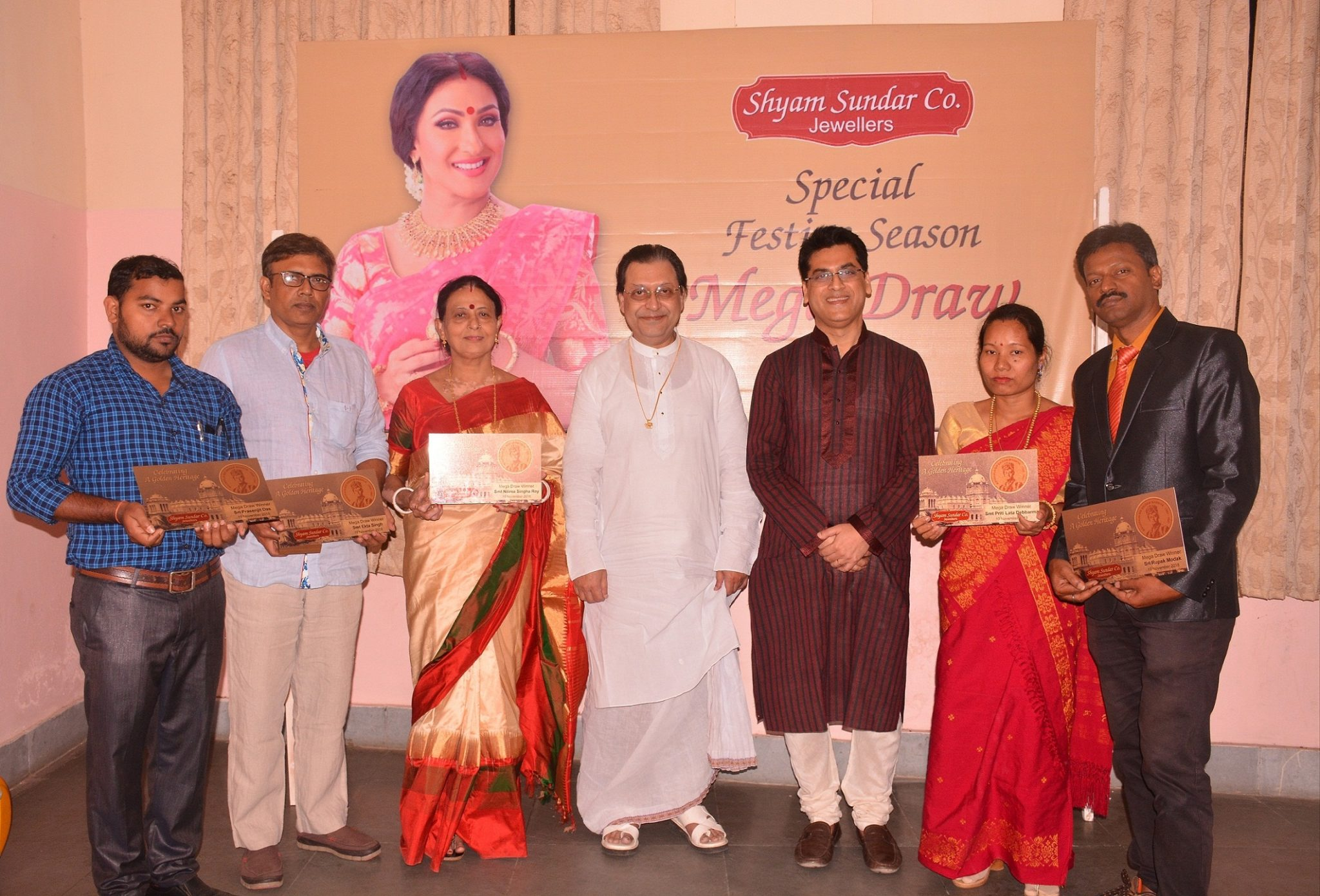 Shyam Sundar Co. Jewellers presented 'A Happy Ending of The Festive Season'