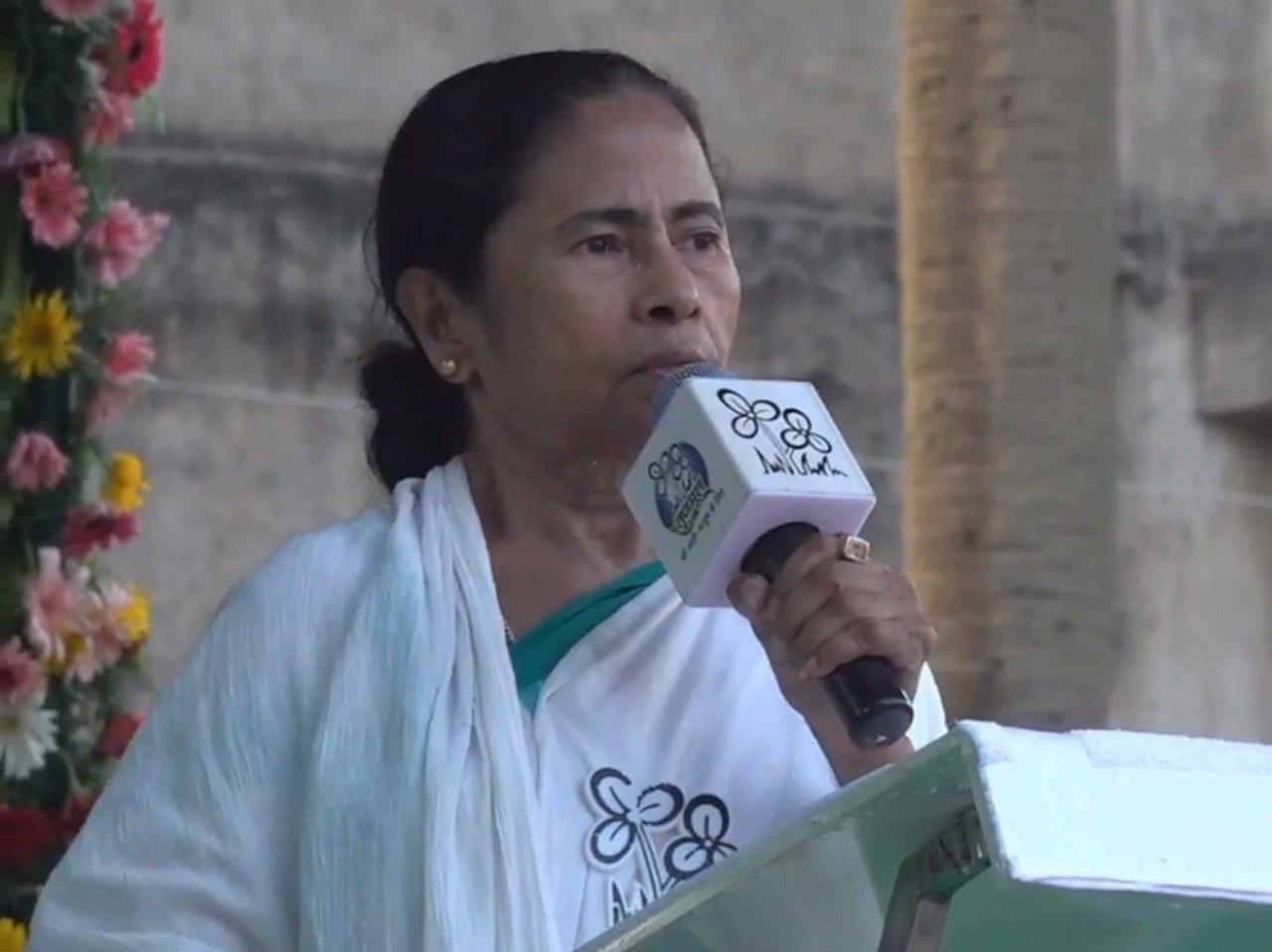 দাঙ্গা লাগিয়ে ফায়দা লুটতে চায় বিজেপি পশ্চিমবঙ্গে : মমতা