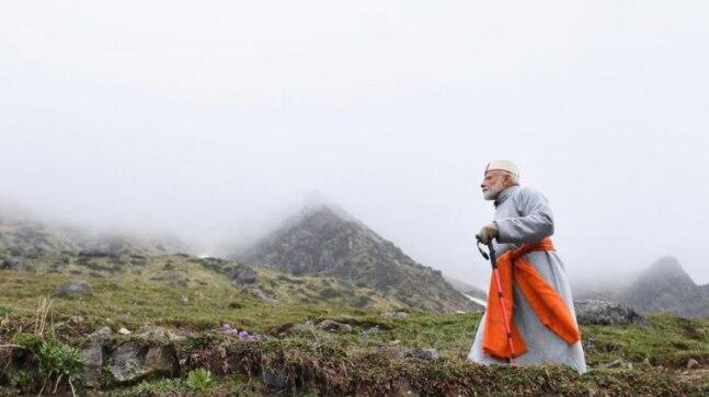 পাহাড়ের গুহায় ধ্যানে বসলেন নরেন্দ্র মোদি