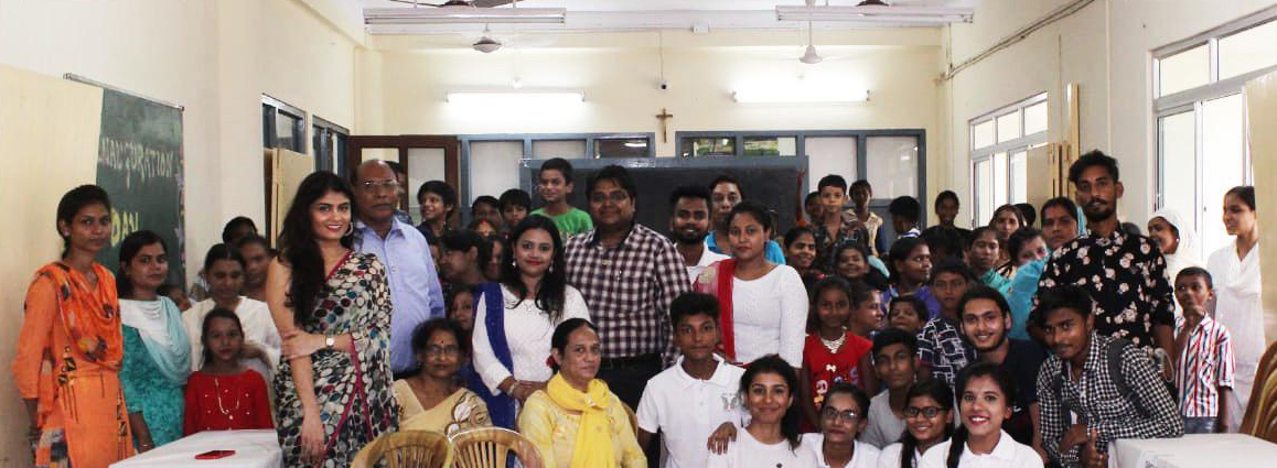 Aakansha Manglani Celebrates This Festive Season With Underprivileged Children