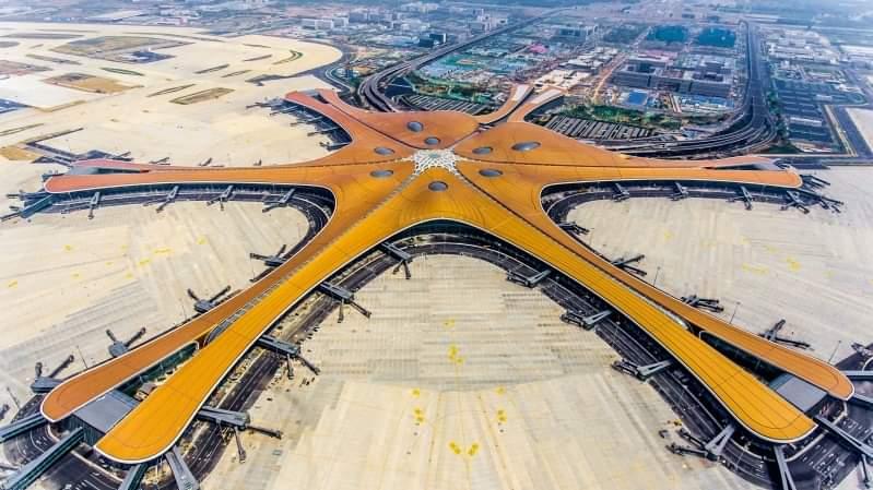 বেইজিংয়ে চালু হলো স্টারফিশ আকৃতির বিশাল ডাক্সিং আন্তর্জাতিক বিমানবন্দর
