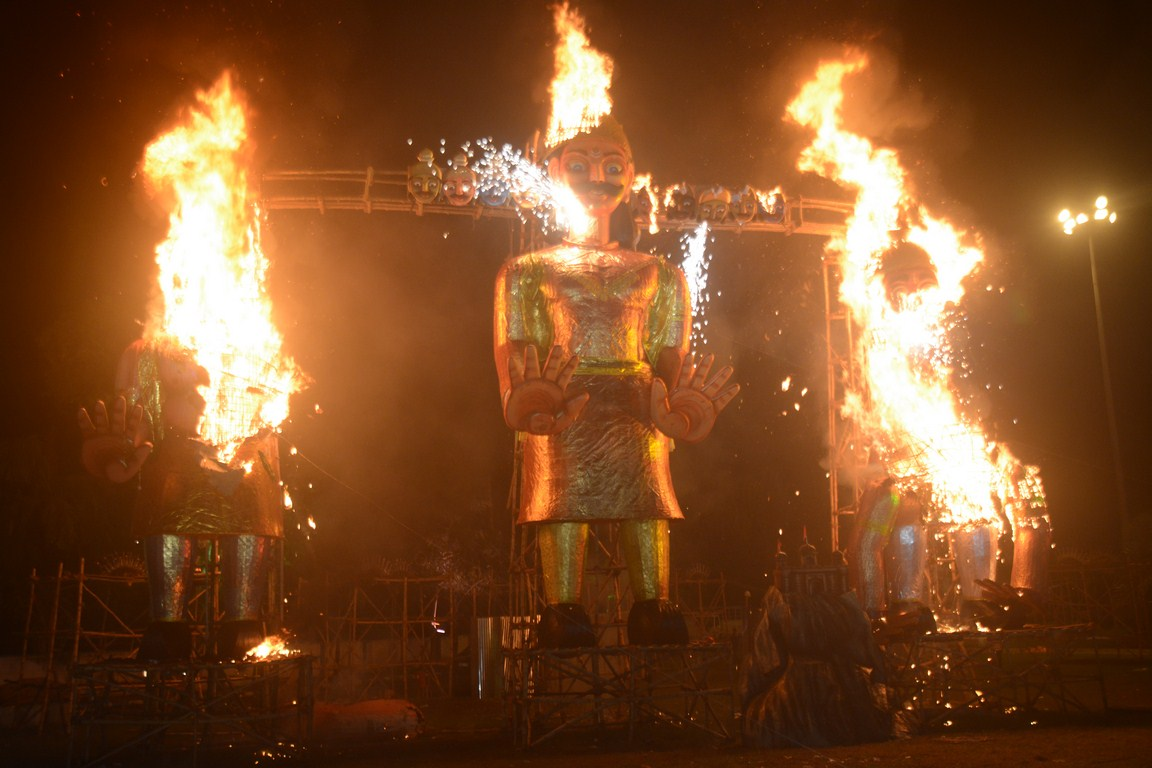 60-feet-tall Ravana effigy to be burnt on Dussehra by Salt Lake Sanskritik Sansad & Sanmarg in Central Park(Salt LAKE), Kolkata