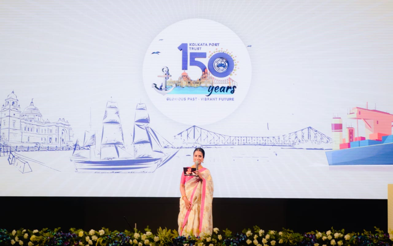 Renowned Anchor Anneysha Thakker hosted the Sesquicentenary Celebration of Kolkata Port Trust ​
