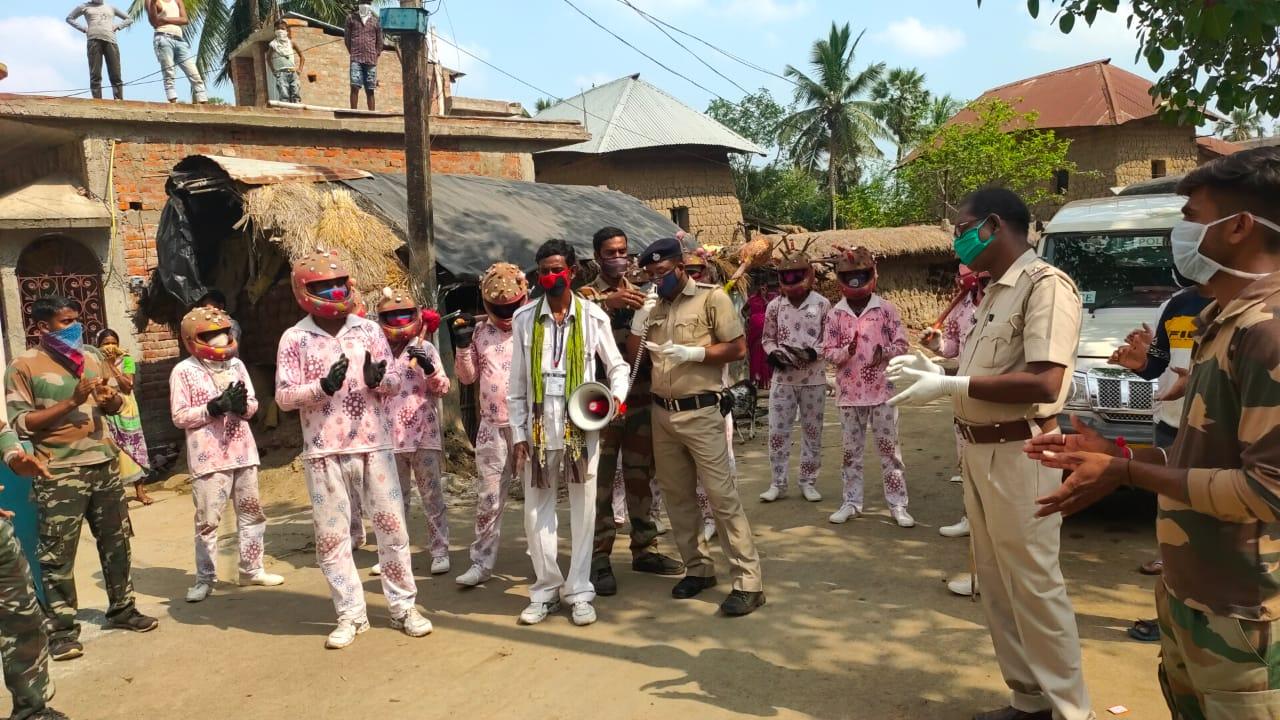 বীরভূমের রামপুরহাট থানার উদ্যোগে গ্রামে গ্রামে করোনা সচেতনতা প্রচার
