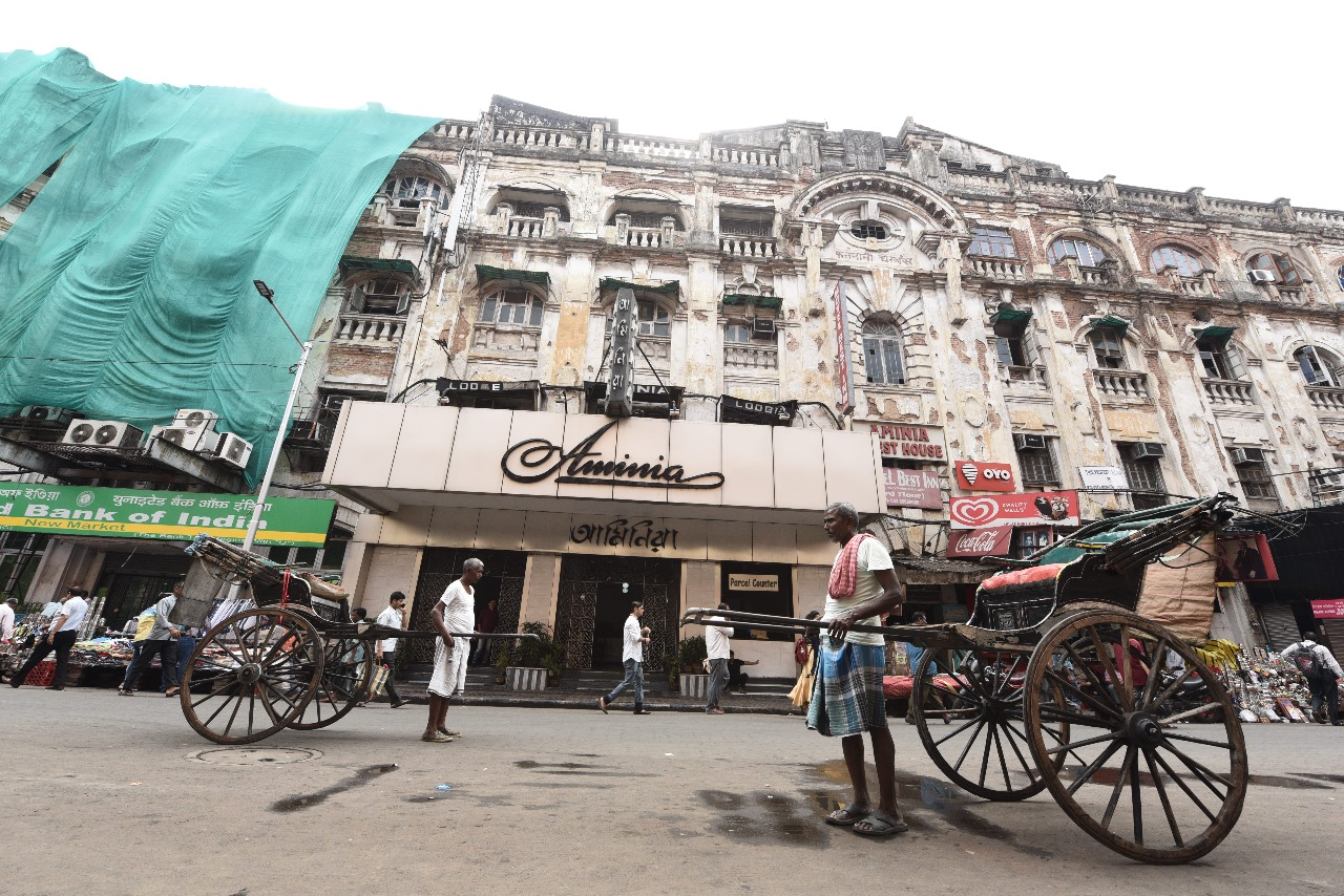 DREAMING OF CALCUTTA IN THE TIMES OF KOLKATA