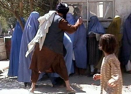 তালিবানীদের ধর্ষণের শিকার মৃতদেহেও, চাঞ্চল্যকর দাবি আফগান মহিলার