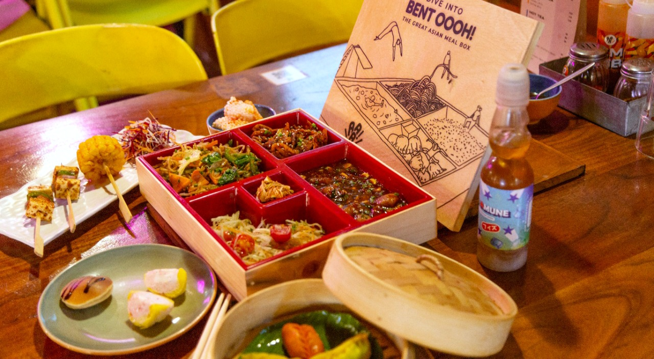 Dive into 'Bent oooh!- The Great Asian Meal Box ' by Asia! Asia! Asia!