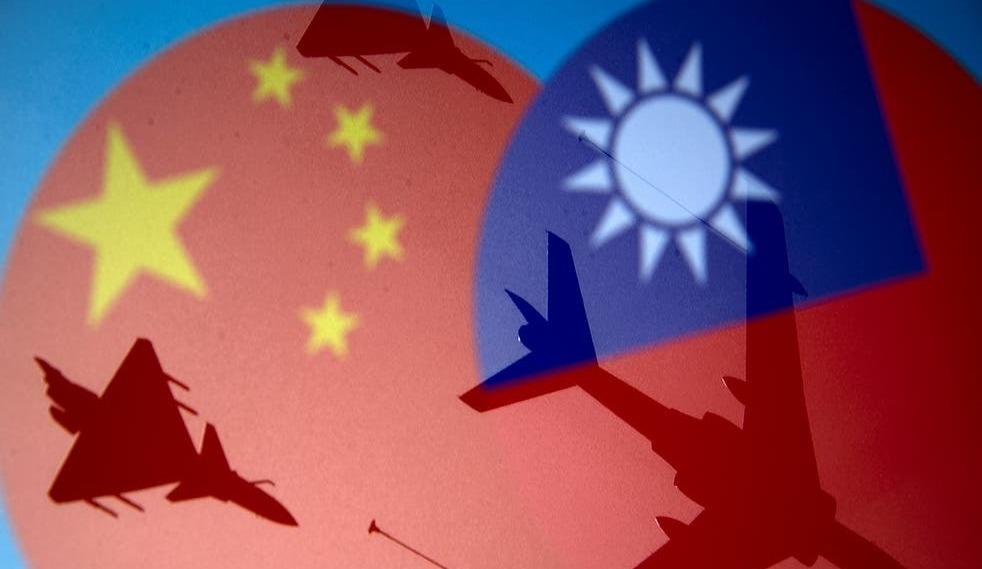 তাইওয়ানের আকাশসীমায় চীনের ৩৮টি সামরিক বিমান অনুপ্রবেশ